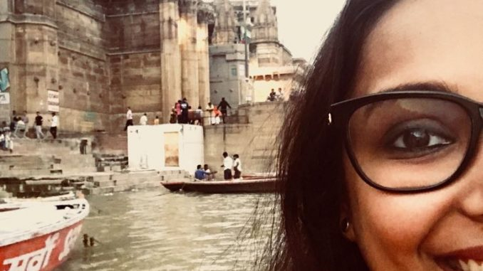 The story of an artist who seeks inspiration for her art in her travels